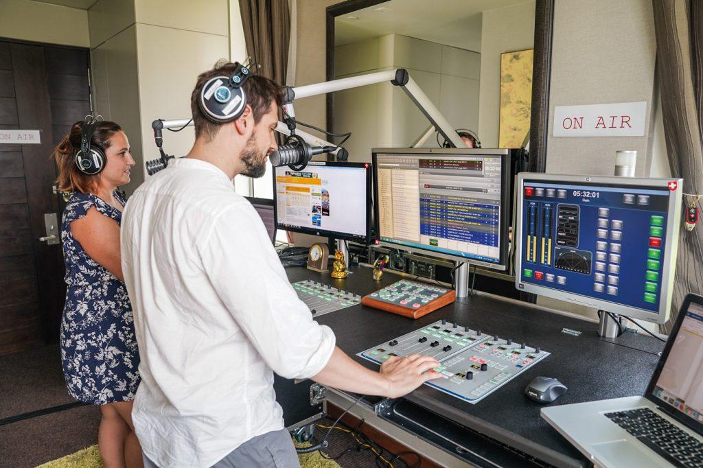 Radio24 in Singapur